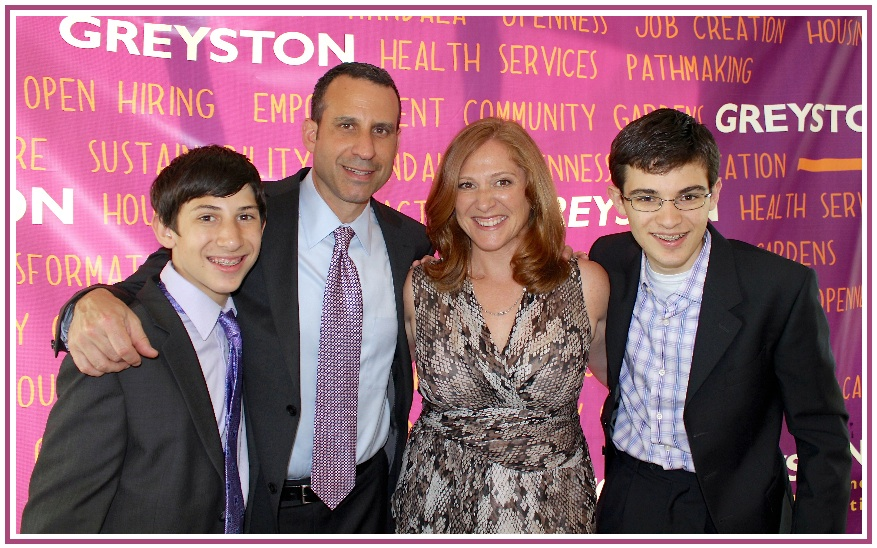 Jeff Koslowsky, Managing Member of Indigo Asset Management and CFO of Advocate Brokerage, was joined by his wife Denise and sons Kyle and Sam when he was honored for his work as the former chairman of the Greyston Foundation at an event held on May 22 in Yonkers.